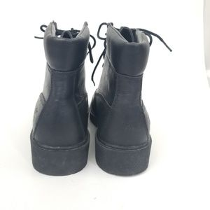 2f4f6b7bae96 Timberland Shoes - Timberland Black Leather classic Boot wmns 8